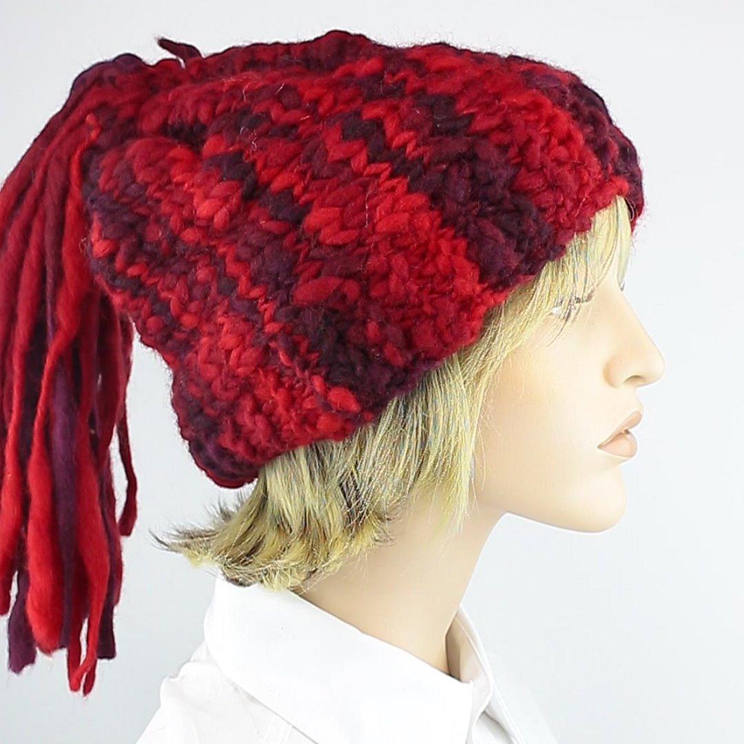 Foto 2: Rote Beanie-Wollmütze