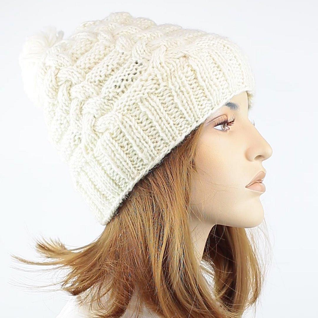 Foto 2: Warme Mütze in weiß