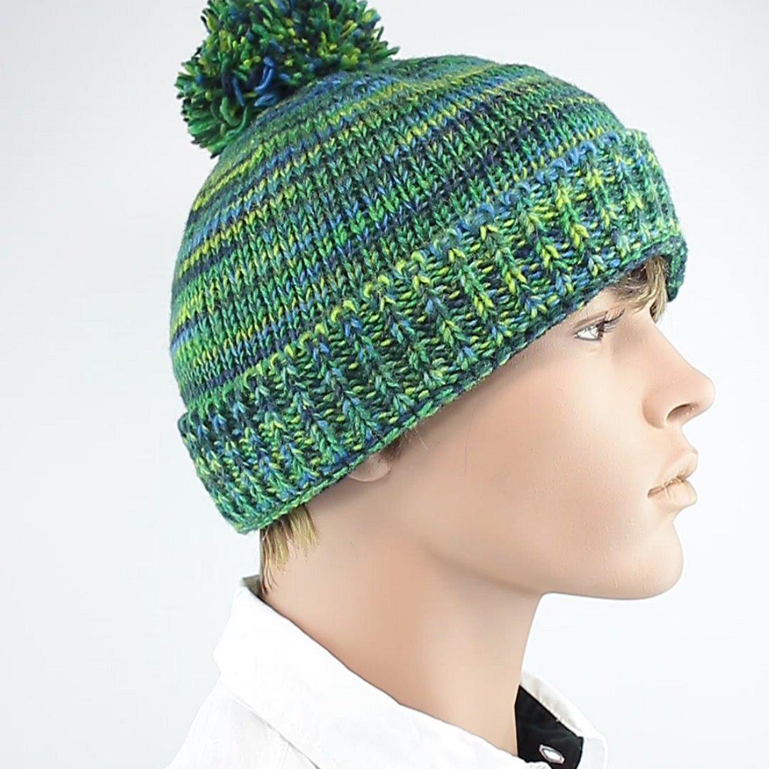 Foto 2: Wollmütze für den Winter in grün-blau