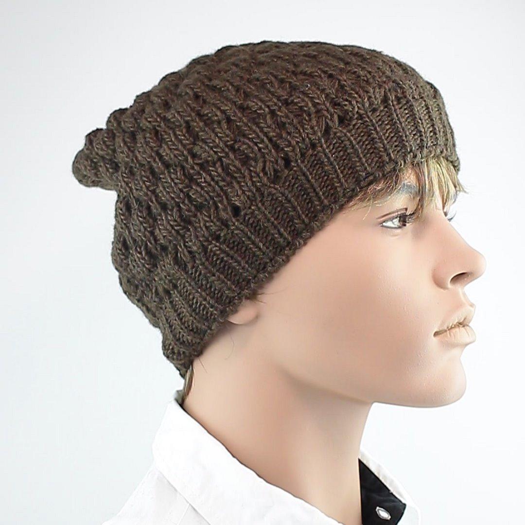 Foto 2: Beanie-Wollmütze passt zu herbstlichen Outfit
