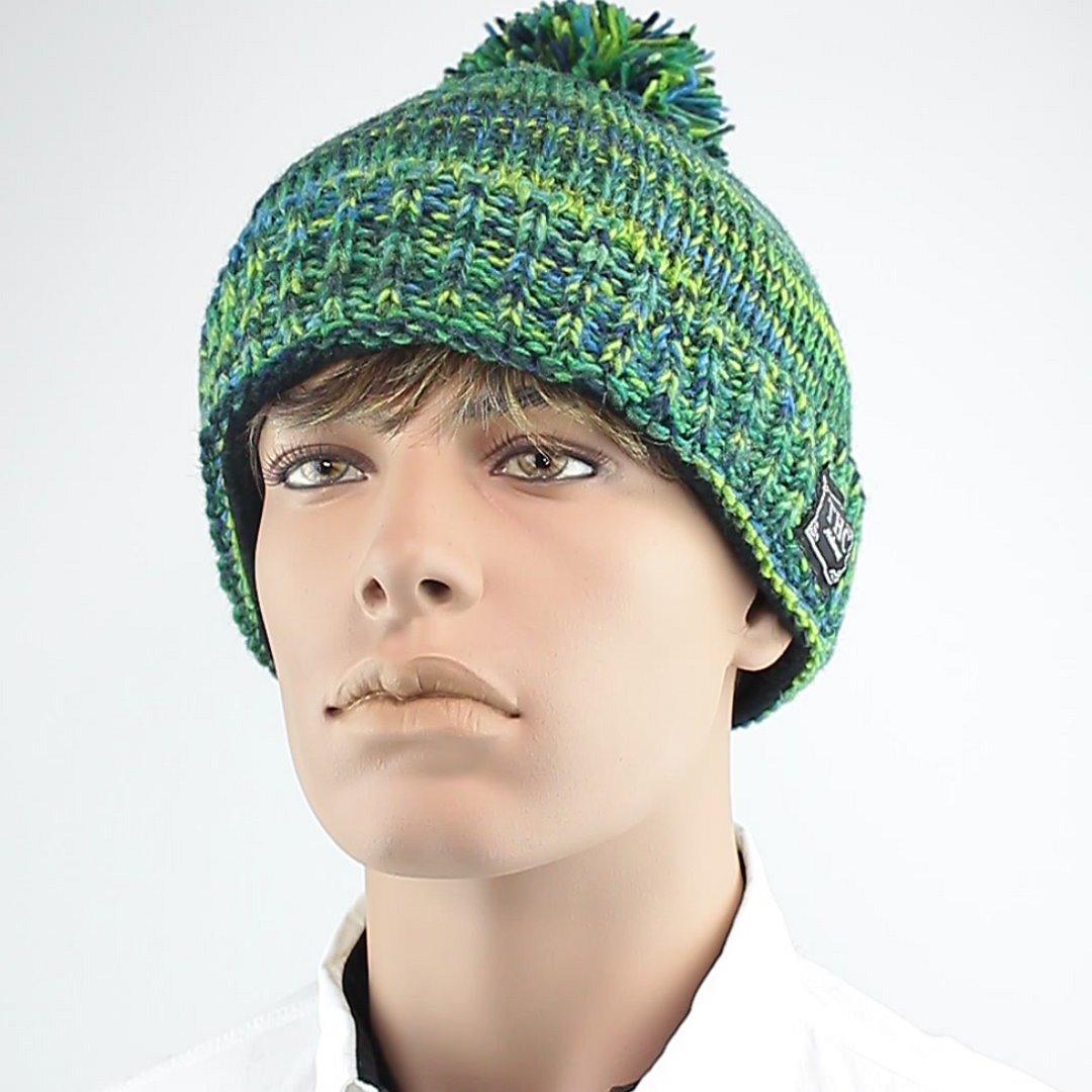Foto 1: Wollmütze für den Winter in grün-blau