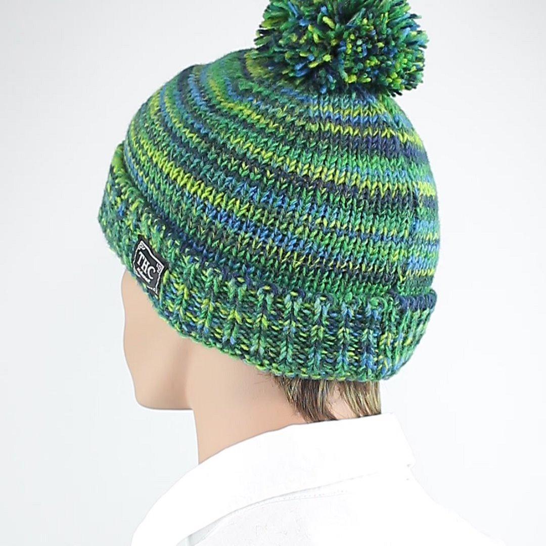 Foto 4: Wollmütze für den Winter in grün-blau