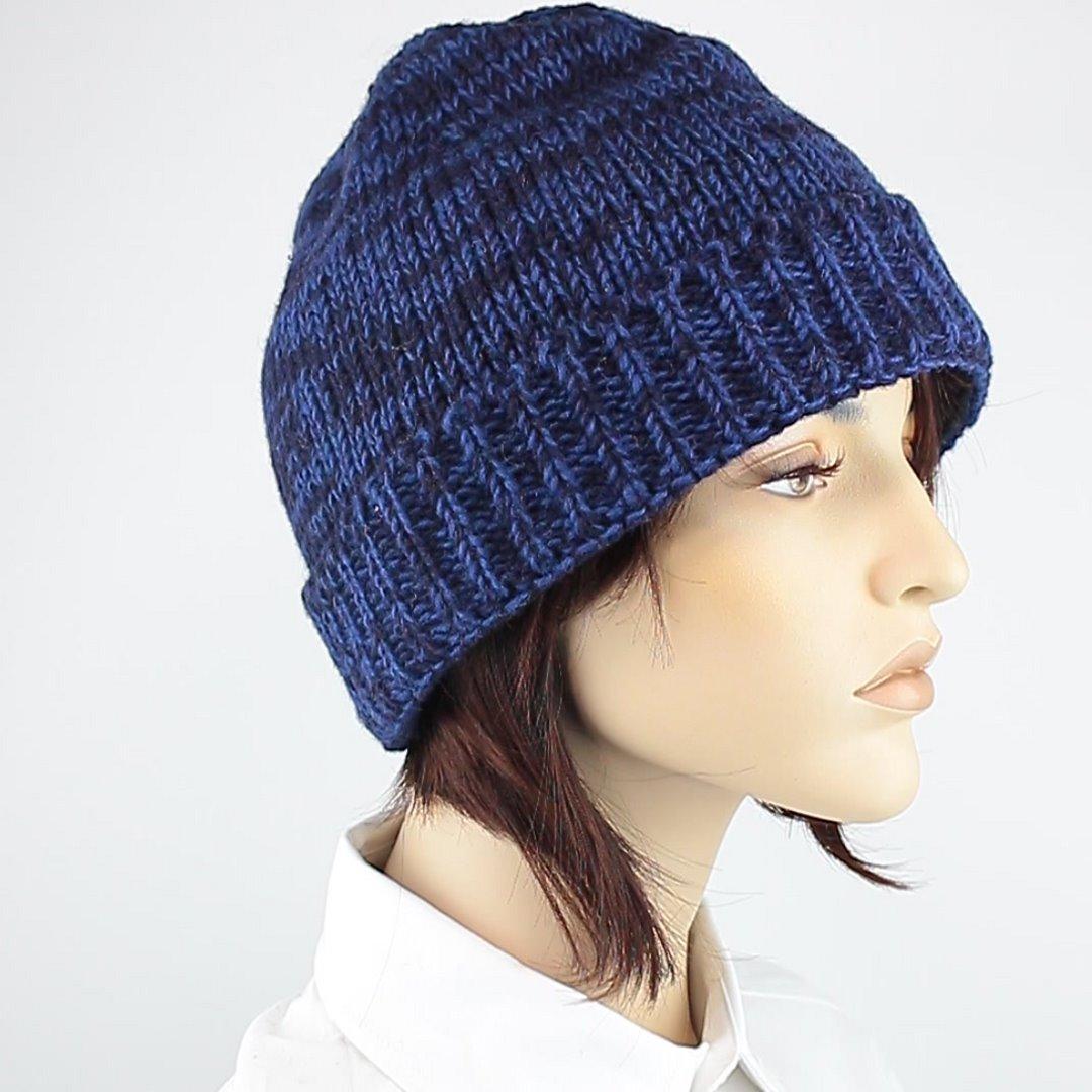 Foto 2: Round Cap-Mütze mit dunklen Blautönen